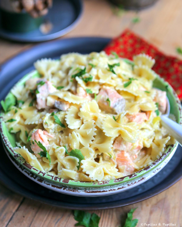 Pasta con salmón y puerros