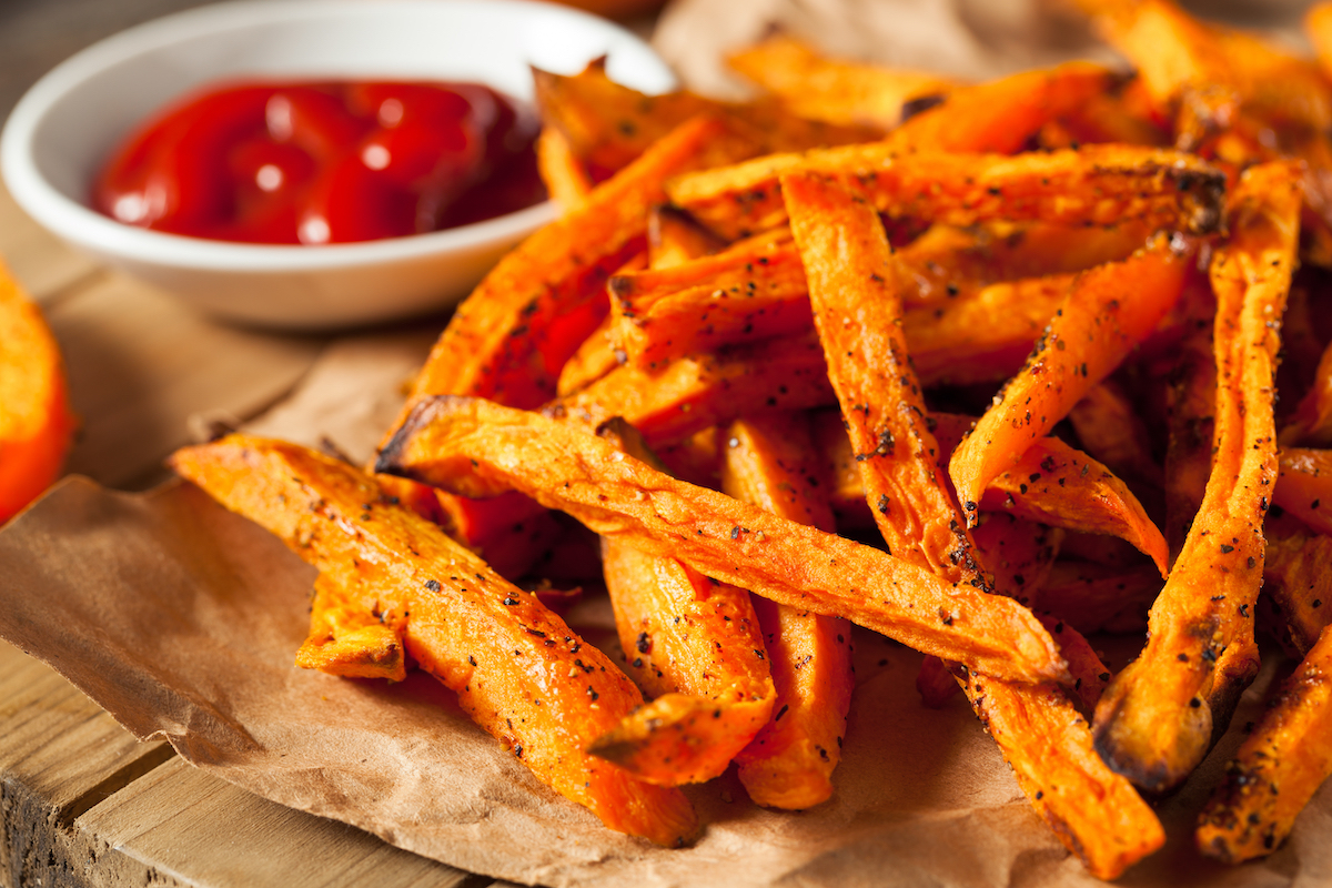 Patatas fritas al horno   © Brent Hofackershutterstock