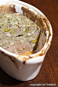 Terrina de pato con avellanas y pistachos